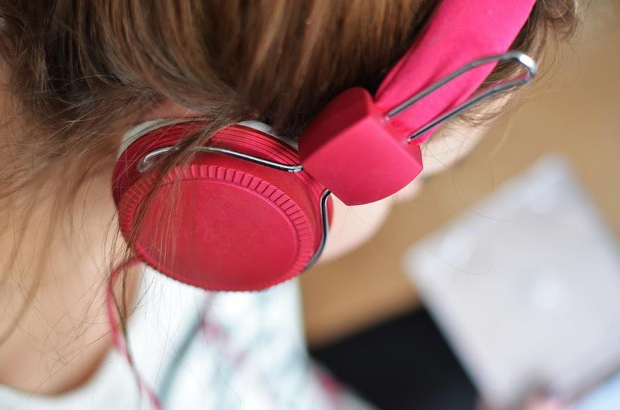 music and how it effects academic performance The impact of music on child functioning  review of empirical studies on the effects of music education on  increase one's academic performance, .