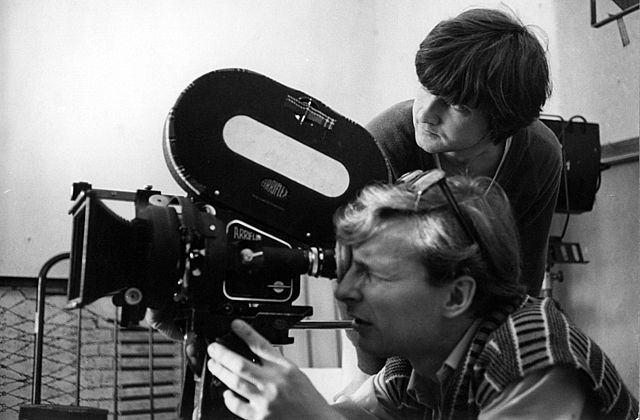 video-producer-640px-Robert_Tutak_and_Andrzej_Adamczak_at_the_National_Film_School_in_Łódź,_Poland,_1982.
