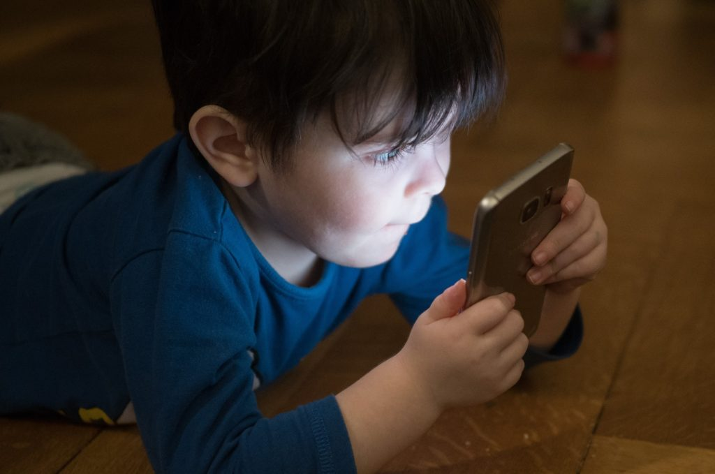 Screen Time Can Help or Harm Youngsters. How Much is Too Much? What are Best Uses? | Emerging Education Technologies
